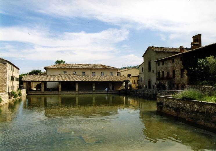 Foto di bagno vignoni provincia di siena - Agriturismo bagno vignoni ...